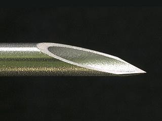 Back cut point shape: Indwelling needle
